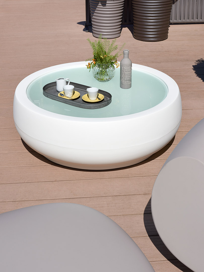 Picture of: Chubby Side Table Slide Design
